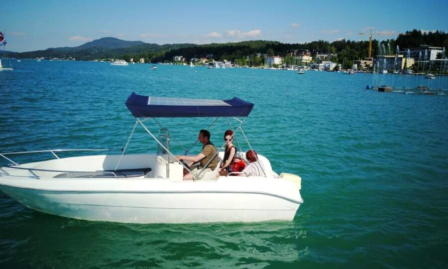 Electric Boat for rent in Velden am Wörthersee, Austria
