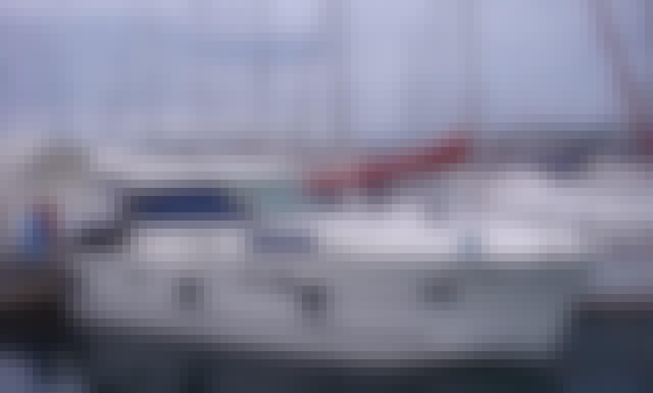 Charter 35' Delphia 1050 Escape Motor Yacht In Izola, Slovenia