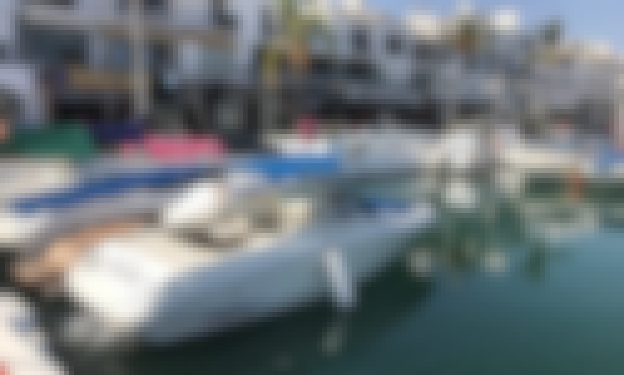 Sea Ray Sun Deck 260 Bowrider with Tube Inflatable in Marbella