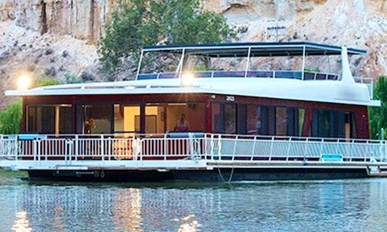 Charter Desire Houseboat In Paringa, Australia
