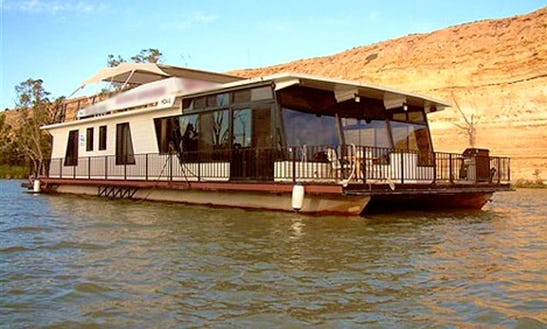 Murray Explorer Houseboat Hire In Magill