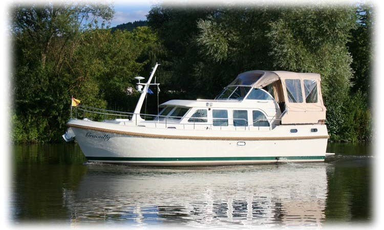 Charter 34' Graoully Linssen Grand Sturdy 33.9 AC Motor Yacht in Saarlouis, Germany
