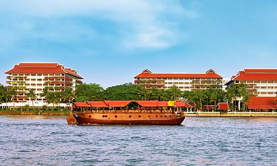 Chao Phraya River Cruises Aboard a Thailander Boat for 30 People!