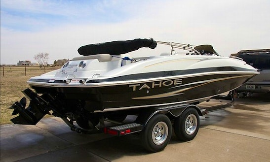 20' Tahoe Deck Boat Rental In Bass Lake, California