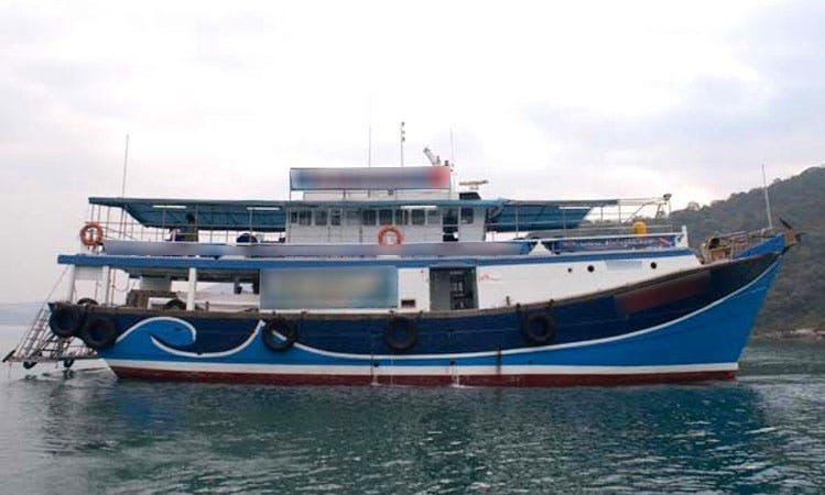 "Book a ""Adventure Explorer"" Passenger Boat Diving Trips in Wan Chai, Hong Kong"
