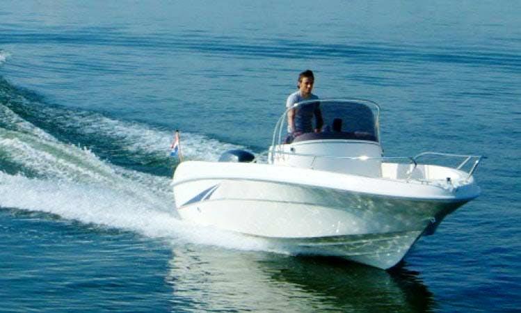 Bare boat charter