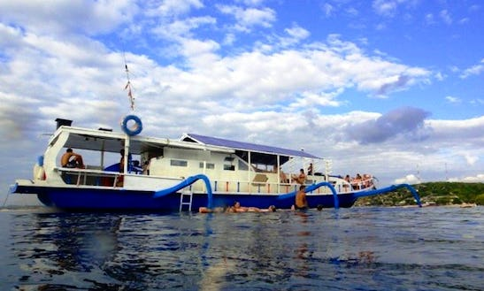 Traditional Indonesian Motor Yacht Trip In Bali