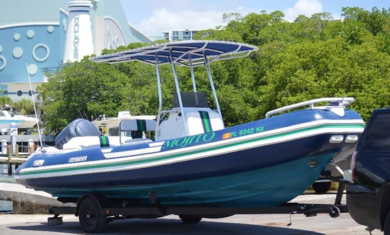 Nice Boat For Rent In Miami Beach
