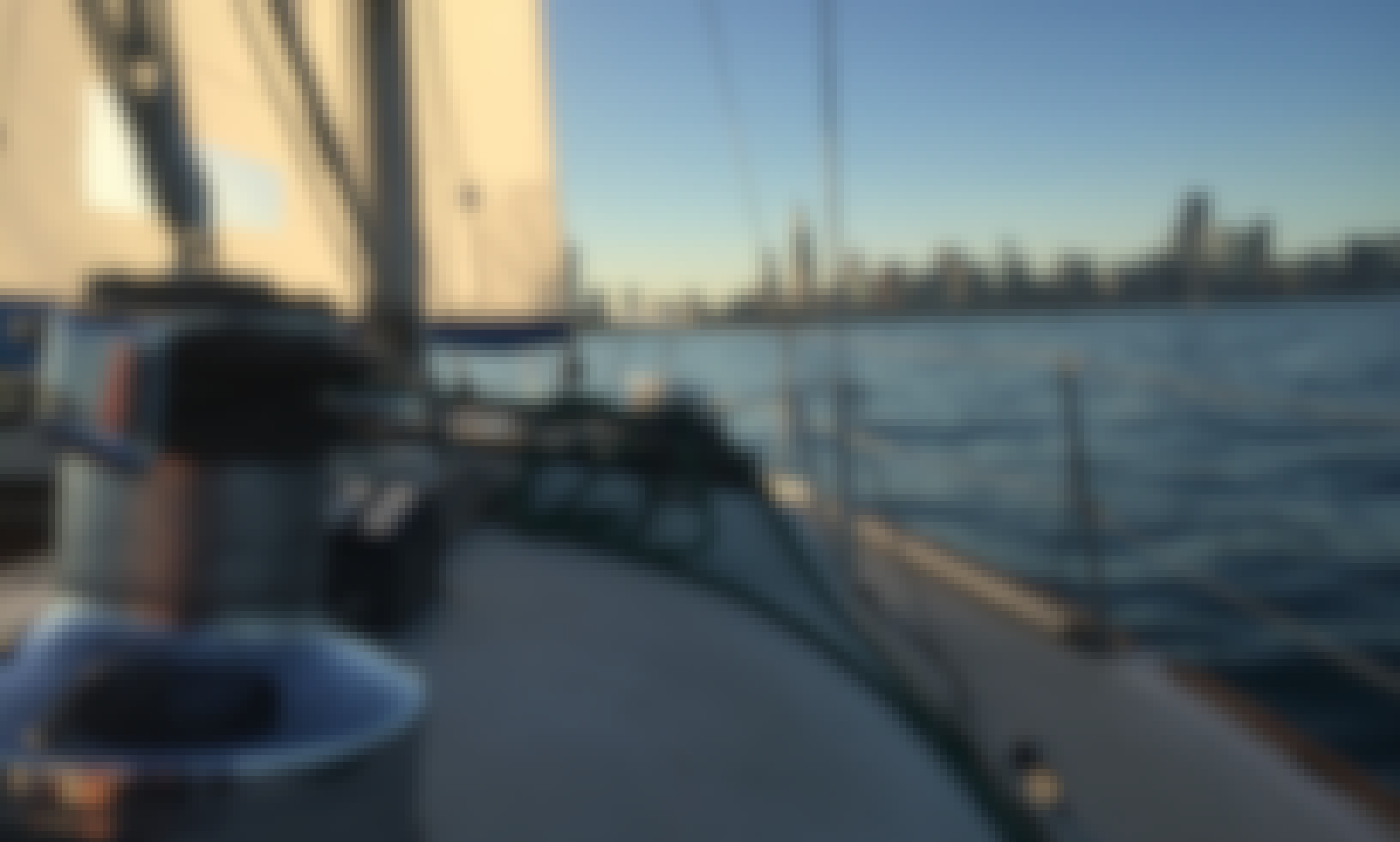 Charter a 31' Pearson Cruising Sloop, Chicago