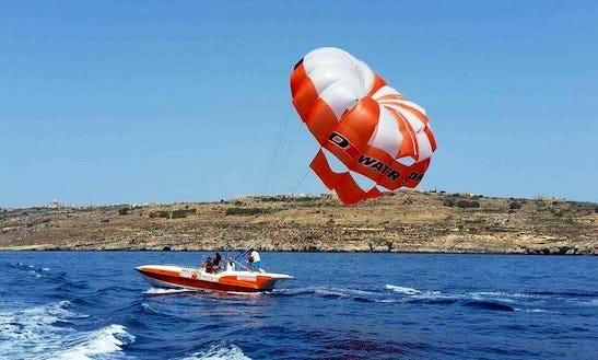 Enjoy Parasailing In Ghajnsielem, Malta