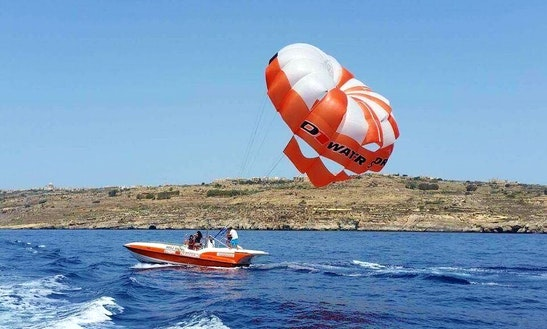 Enjoy Parasailing In Ghajnsielem, Malta