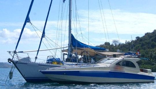 Motor Yacht Rental In Sekotong