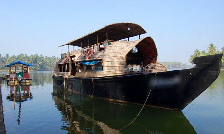 Experience the fun of Houseboating in Kerala, India