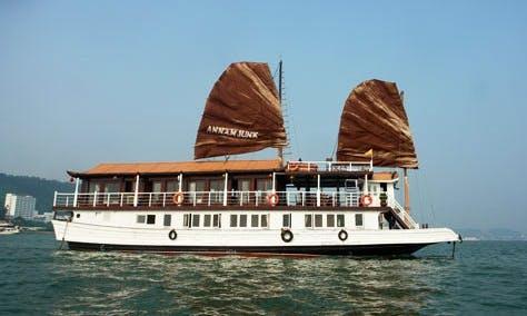 Charter 89' Annam Junk 8 Cabins in Thành phố Hạ Long, Vietnam