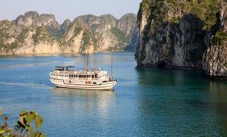 Charter 104' Garden Bay Premium Traditional Junk in Thành phố Hạ Long, Vietnam