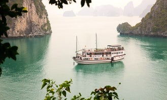 Charter 112' Garden Bay Luxury Traditional Junk in Thành phố Hạ Long, Vietnam