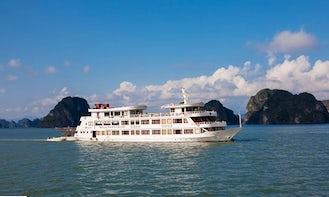 Charter 177' Royal Wings Cruise Passenger Boat in Thành phố Hạ Long, Vietnam