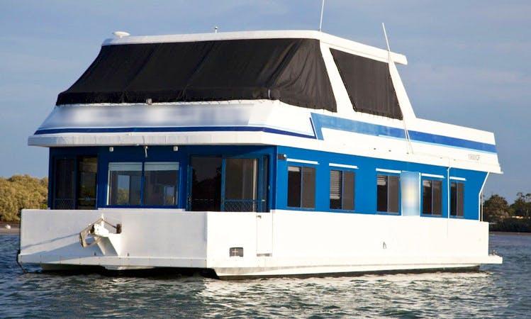 Houseboat Holiday on 'Blue Bayou' Houseboat on Tweed River