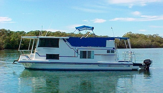 Romantic Holiday For Couple On 'pluto' Houseboat In Tweed River, Nsw