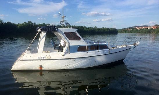 Charter 28' Kornat Motor Yacht In Beograd, Serbia