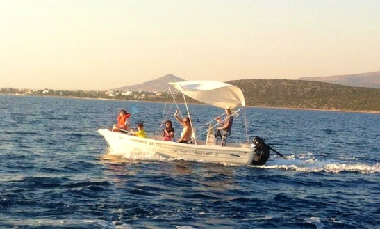 5 People Center Console Rental In Paros, Greece