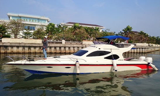 Charter Stingray Motor Yacht In Pademangan, Indonesia