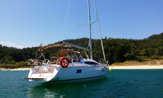 Cruising Monohull Rental In Vigo