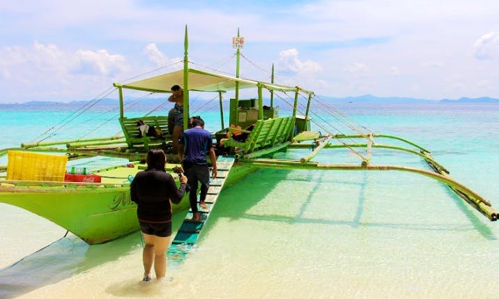 Enjoy a Traditional Boat Charter and Sightseeing in Mimaropa, Philippines
