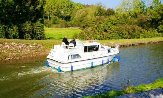 Charter The Viking 1000 Boat In Capestang, France