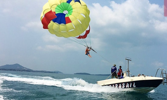 Enjoy Parasailing In Ko Samui, Thailand
