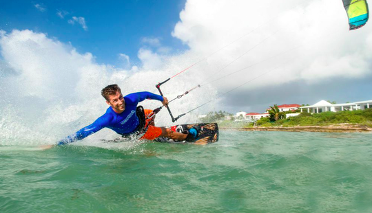 Kitesurfing Lesson In The Cove