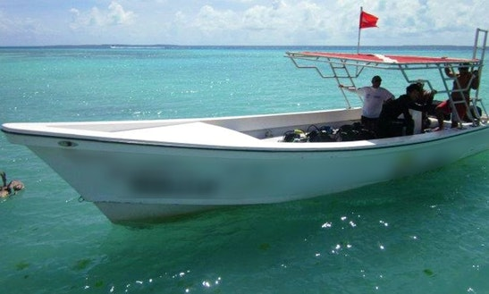 32' Center Console Diving Charter In Porlamar, Venezuela