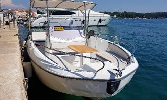 Center Console for 12 People Ready to Rent in Poreč, Croatia