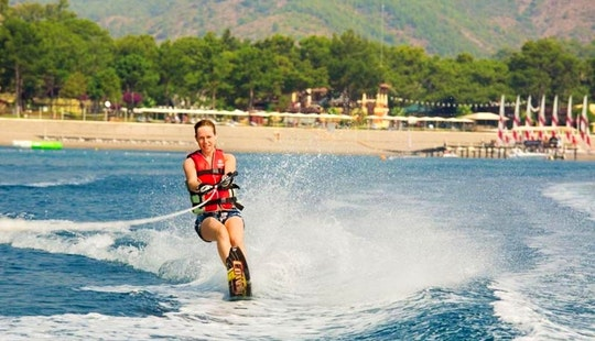 Enjoy Water Skiing In Ras Al-khaimah, United Arab Emirates