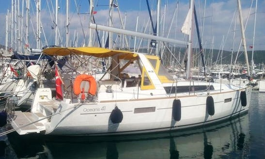 Charter 41' Beneteau Oceanis 41 Cruising Monohull In İstanbul, Turkey