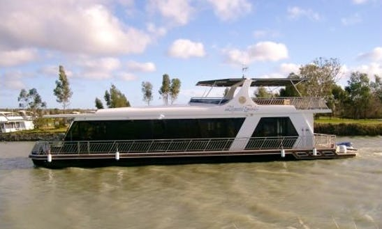 Charter A Houseboat In Mannum, South Australia