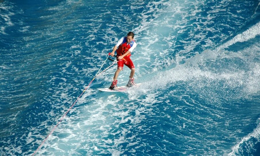 Learn Wakeboarding in Ras Al-Khaimah, United Arab Emirates