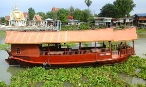 Dinning & Karaoke on River Cruise Around the City in Ayutthaya