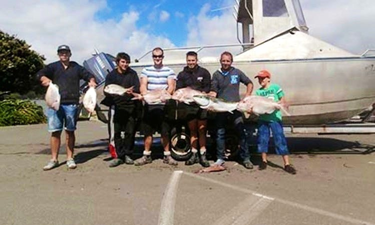 "Fishing & Diving Trips onboard the ""Felix"" Boat in Porirua, NZ"
