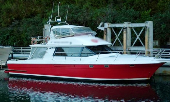 50' Motor Yacht Trips In Queenstown, New Zealand