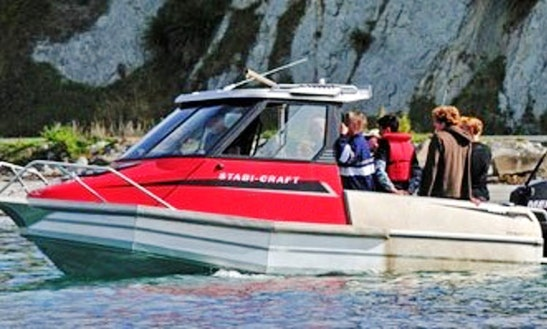 20' Sophie-rose Boat Fishing Trips In Kaikoura