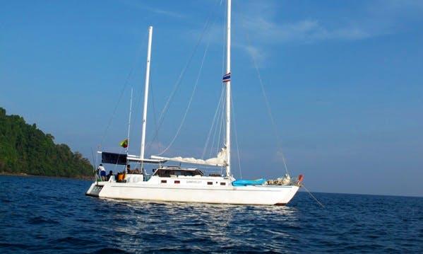 Charter SY Wanderlust Dive Boat Fleet in Muang