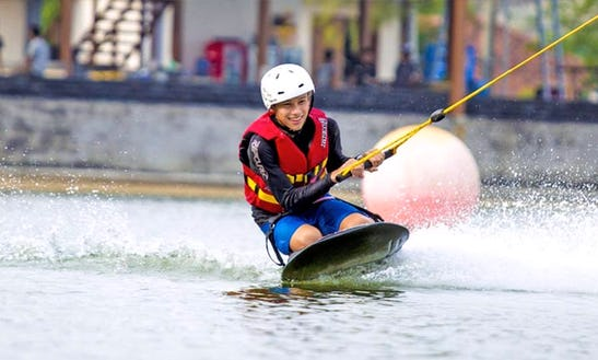Enjoy Kneeboarding In Muharraq Governorate, Bahrain