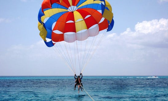Adventure Parasailing In Tanjung Benoa