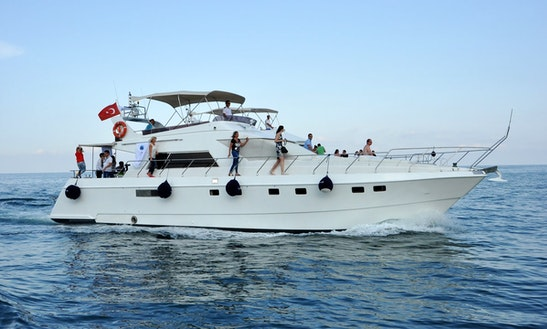 Motor Yacht Charter In Belek Antalya