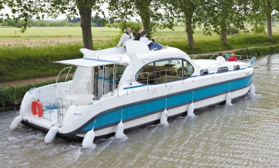 44ft 'octo' River Boat Hire In Harskirchen, France