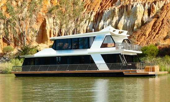 'lazy One' Houseboat Hire In Paringa, Australia