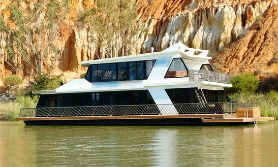 'lazy One' Houseboat Hire In Paringa, Australia