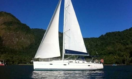 Yacht Charter Futuro Ix In Angra Dos Reis