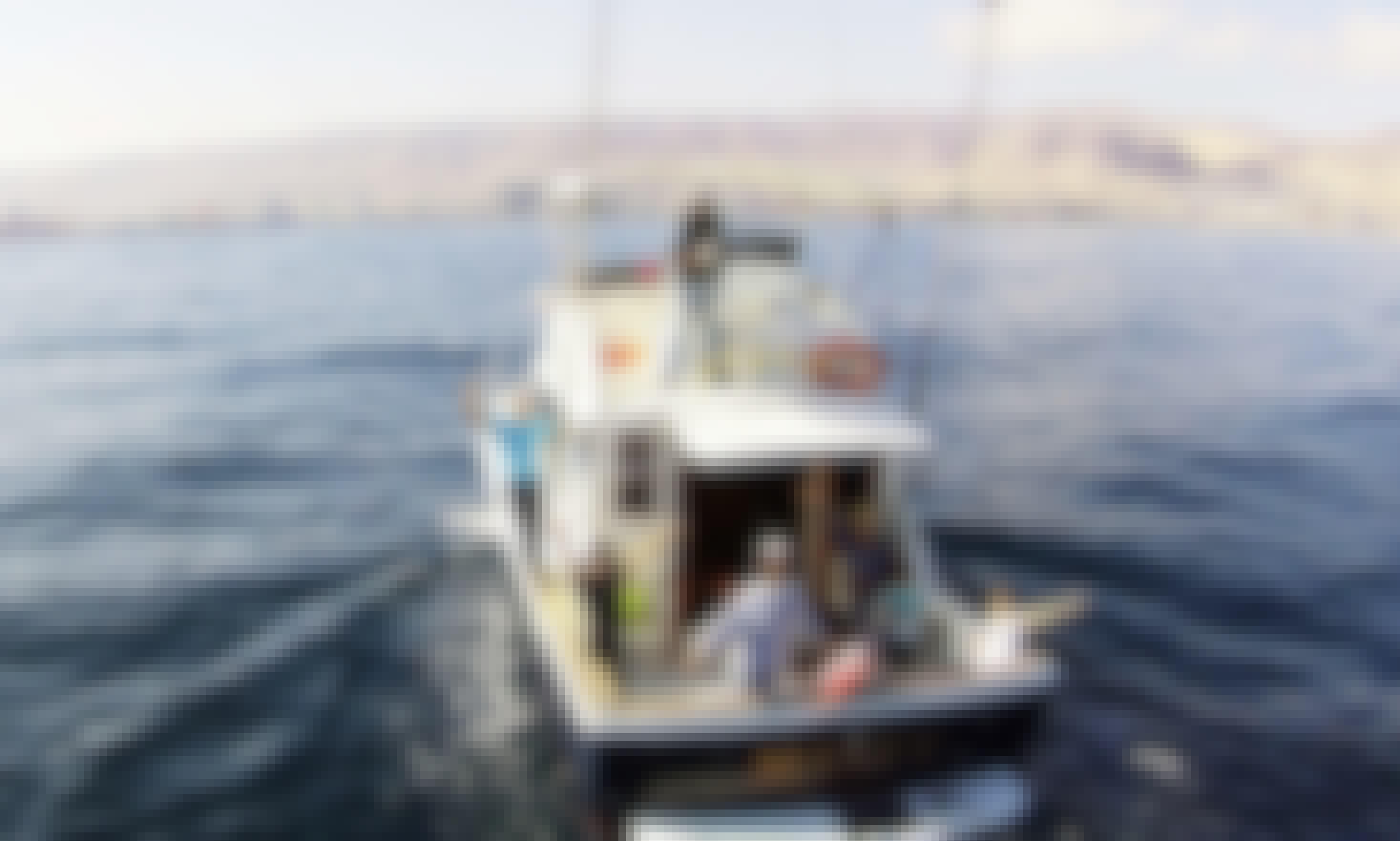 Charter the 39' Chris-Craft Commander 360 Yacht in Antofagasta